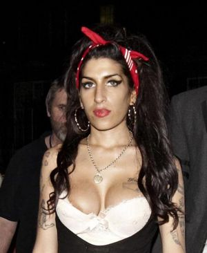 amy winehouse nipple slips